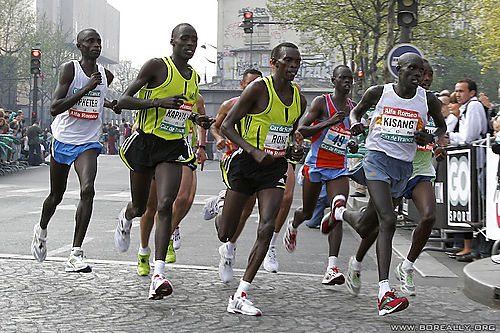 Sport-marathon-paris-2007-poursuivants