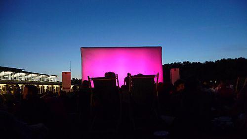 Cinema en plein air villette giao inzesentier