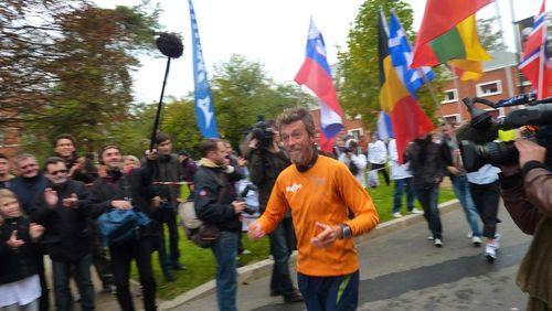 Arrivée Tour d'Europe de Serge Girard 17 octobre 2010 11h06 61