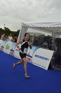 Isabelle triathlon de paris 2011 course a pied_DSC0455